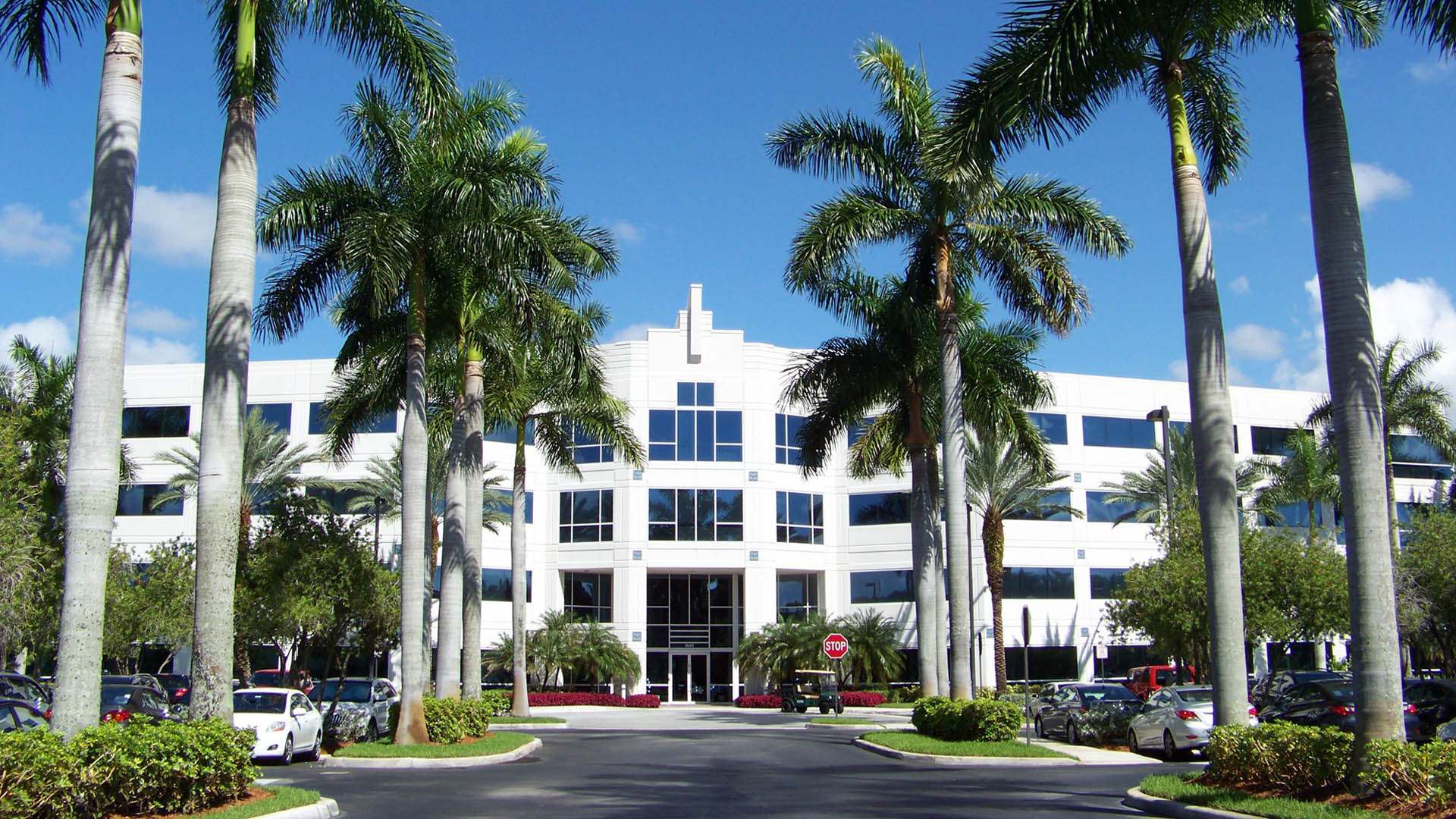 Commercial property in Davie, FL maintained by BTS Land Services Corp.